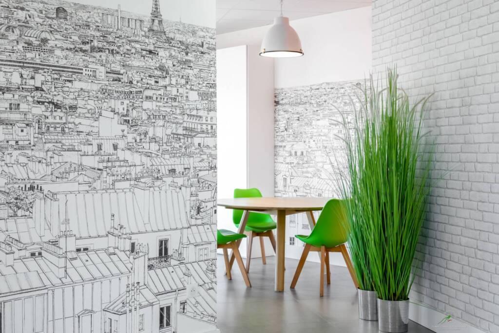 Agencement et decoration agence de constructeur de maisons individuelles - papier-peint toits de Paris, par Happy Décoration, Cécile Nantillet, Décoratrice d'Intérieur à Besançon, Doubs 25