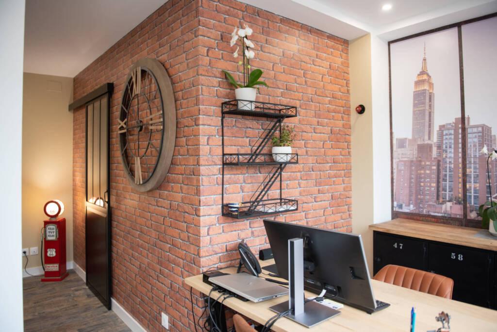 Renovation agence immobiliere - briques rouges new york, par Happy Décoration, Cécile Nantillet, Décoratrice d'Intérieur à Besançon, Doubs 25