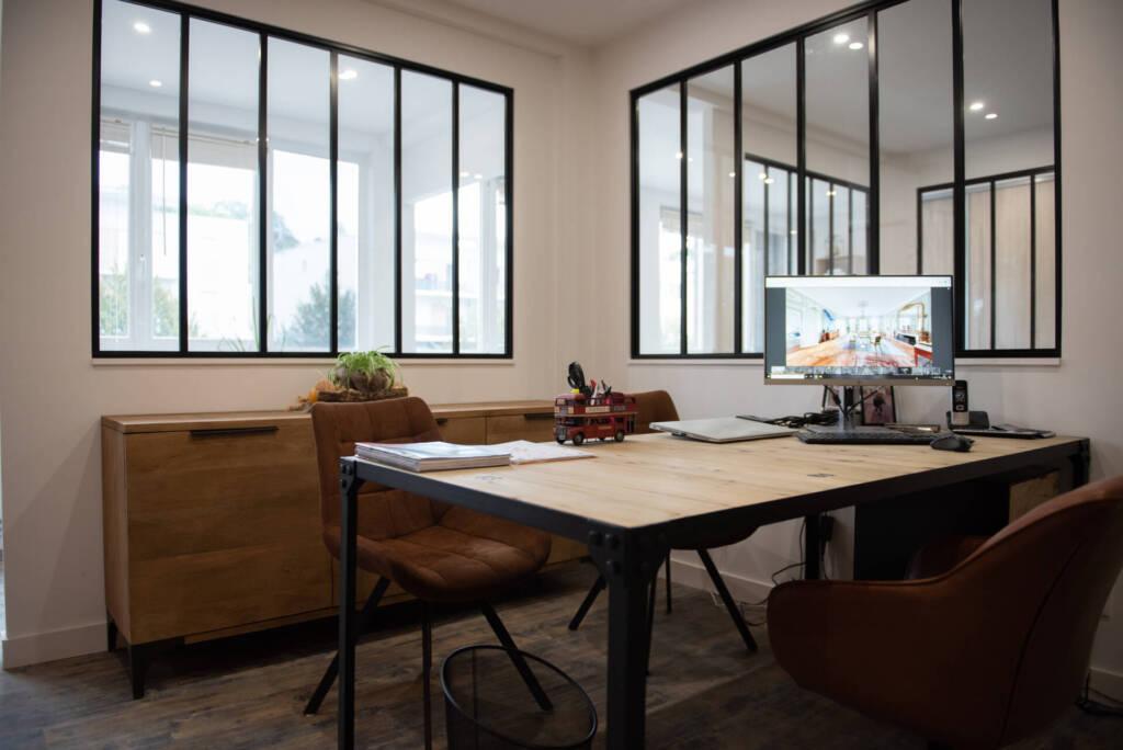 Renovation agence immobiliere- buffet bois brut metal indus, par Happy Décoration, Cécile Nantillet, Décoratrice d'Intérieur à Besançon, Doubs 25