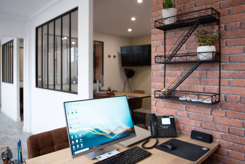 Renovation agence immobiliere - clin d'oeil New York, par Happy Décoration, Cécile Nantillet, Décoratrice d'Intérieur à Besançon, Doubs 25