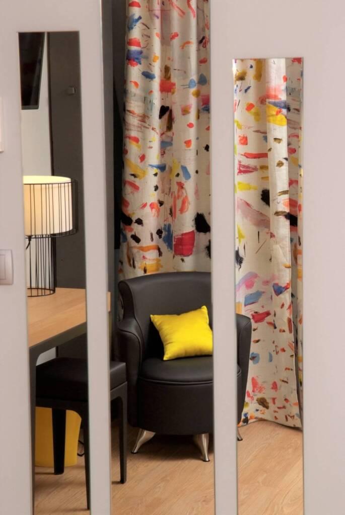 Renovation et décoration Hotel des Bains a Salins les Bains - miroirs décales double rideaux, par Happy Décoration, Cécile Nantillet, Décoratrice d'Intérieur à Besançon, Doubs 25